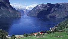 Aurlandsfjord-Noruega-fondos-windows-7